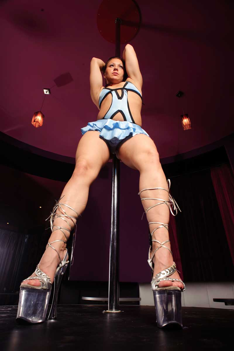 girl-on-stage-best-strip-club-phoenix-az